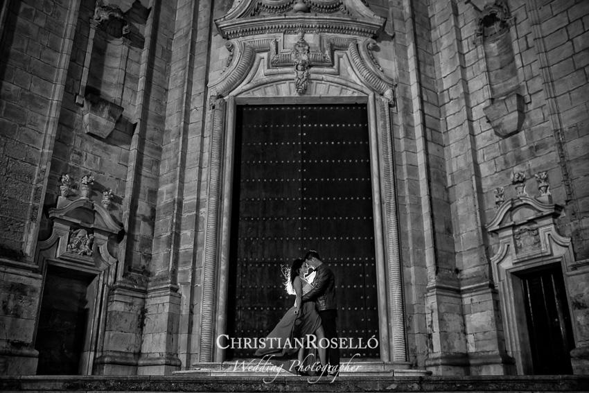 Reportaje Pre Boda en Plaza de la Catedral, Cadiz. Yolanda y Jose, Christian Roselló Fotógrafo de Bodas en Cadiz, con sede en Valencia