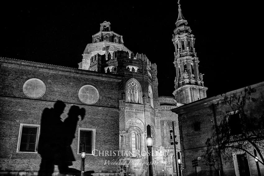 Reportaje Pre Boda en Zaragoza, Sara y Javi. Catedral de San Salvador, Zaragoza. Christian Roselló Fotógrafo de Bodas en Zaragoza con sede en Valencia