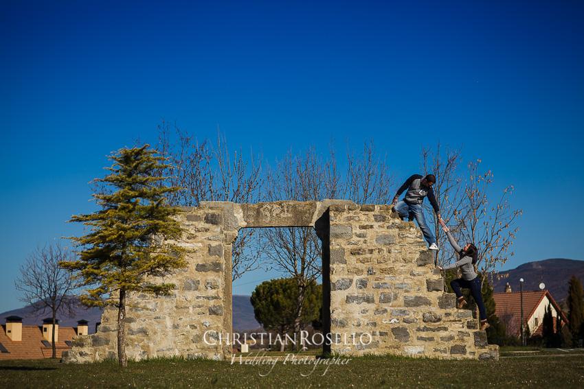 Reportaje Pre Boda en Zaragoza, Sara y Javi. Parque de los Pirineos Sabiñanigo Huesca. Christian Roselló Fotógrafo de Bodas en Zaragoza con sede en Valencia