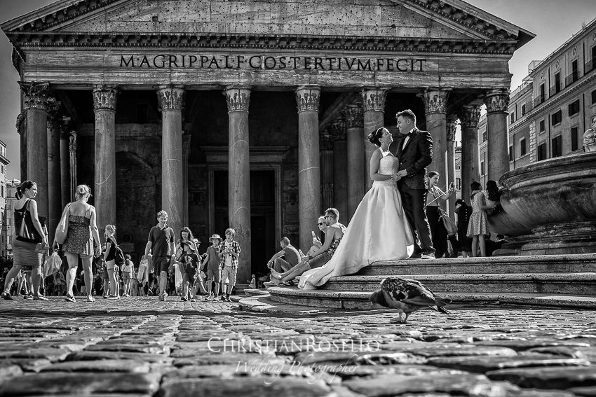 Post Boda en Roma, Piazza della Rotonda, Mª Jesus y Oscar.Christian Roselló, Wedding Photographer in Rome, based in Valencia Spain