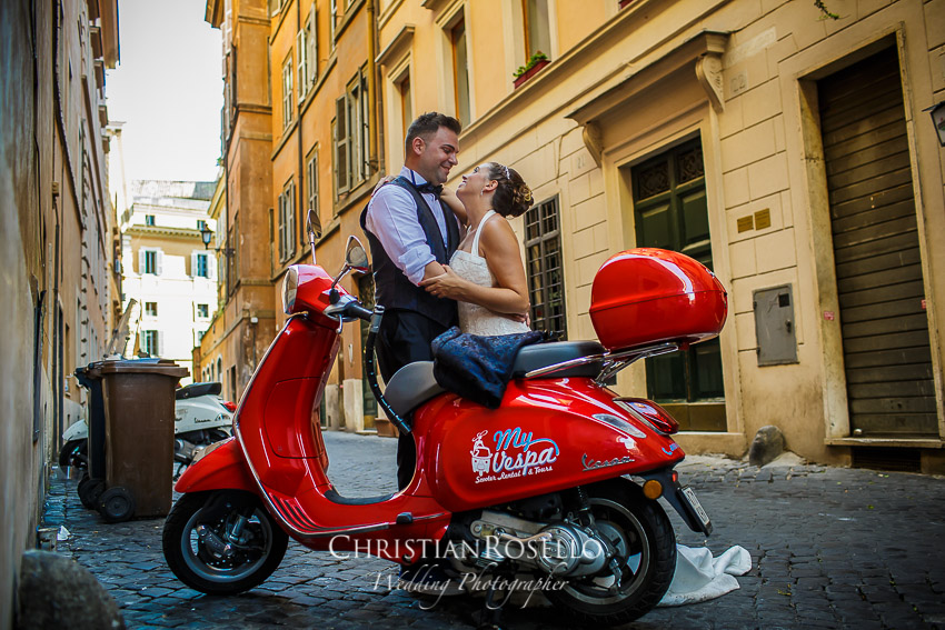 Post Boda en Roma, Fontana di Trevi, Mª Jesús y Oscar. Christian Roselló, Wedding Photographer in Rome, based in Valencia Spain