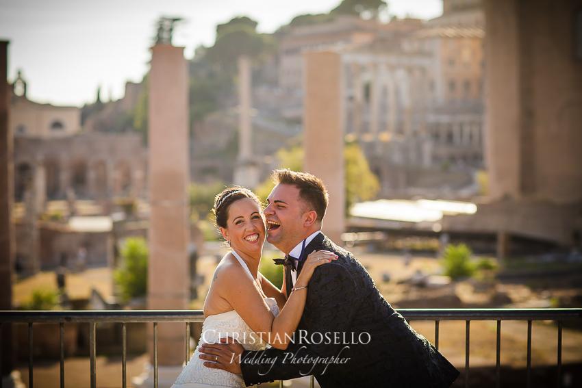 Post Boda en Roma, Via dei Fori Imperiali, Mª Jesús y Oscar. Christian Roselló, Wedding Photographer in Rome, based in Valencia Spain