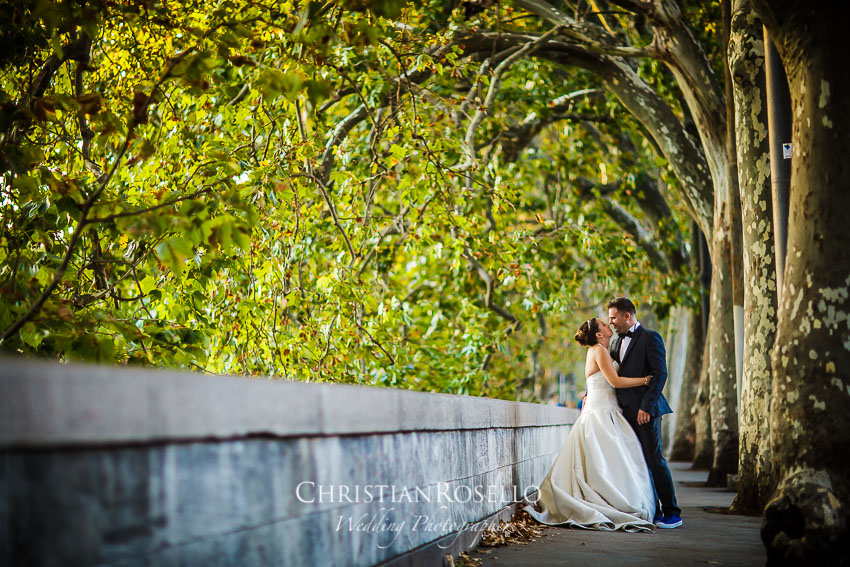 Post Boda en Roma, Lungotevere de' Cenci, Mª Jesús y Oscar. Christian Roselló, Wedding Photographer in Rome, based in Valencia Spain