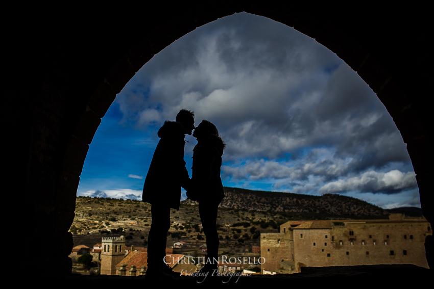 Reportaje Pre Boda en Mora de Rubielos, Jazmina y Agustín. Christian Roselló Fotógrafo de Bodas en Teruel con sede en Valencia.
