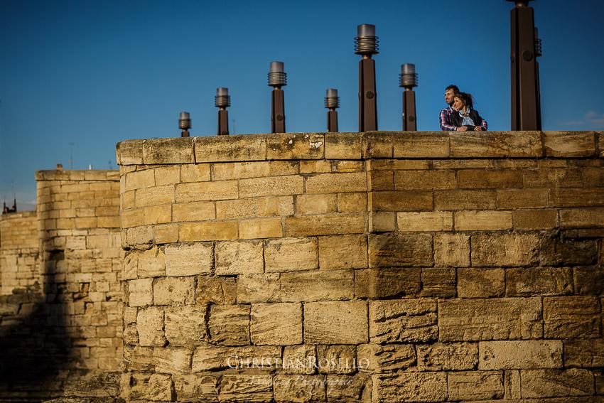 Reportaje Pre Boda en Zaragoza, Puente de Piedra, Berta y Jorge. Christian Roselló Fotógrafo de Bodas en Zaragoza con sede en Valencia