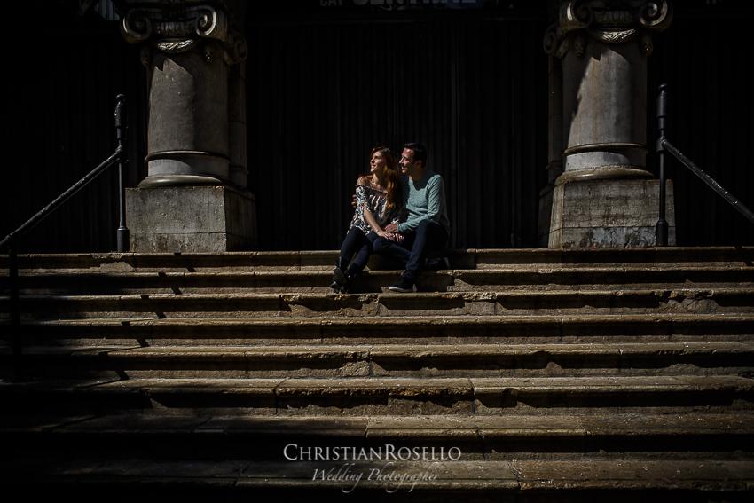 Reportaje Pre Boda en Valencia Rosa y Rubén, Mercado Central Valencia. Christian Roselló Fotógrafo de Bodas con sede Valencia.