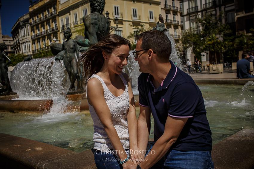 Reportaje Pre Boda en Valencia Bea y Vicente, Plaza de la Virgen . Christian Roselló Fotógrafo de Bodas nacional e internacional, con sede en Valencia.