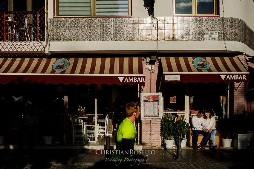 Pre Boda en Valencia Olga y David, Carrer del Pare d'Orfens. Christian Roselló Fotógrafo de Bodas nacional e internacional con sede en Valencia.