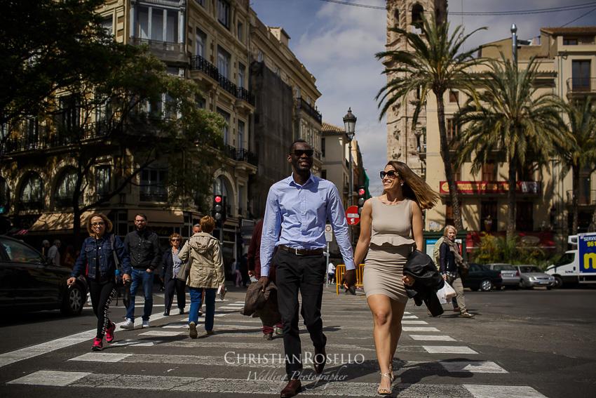 Reportaje Pre Boda en Valencia Amanda y Ben, Plaza de la Reina Valencia. Christian Roselló Fotógrafo de Bodas nacional e internacional, con sede en Valencia.