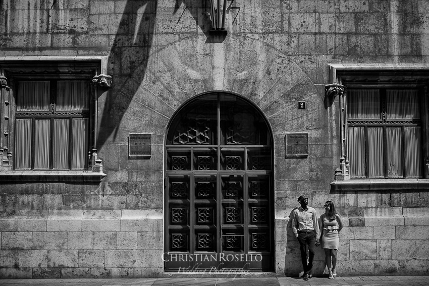 Reportaje Pre Boda en Valencia Amanda y Ben, Palao de la Generalitat Valenciana. Christian Roselló Fotógrafo de Bodas nacional e internacional, con sede en Valencia.