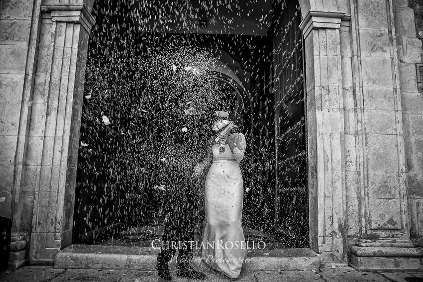 Reportaje Boda en Pedrera Sevilla Laura y Fran. Iglesia de San Sebastian Pedrera Sevilla. Christian Roselló Fotografo de Bodas en Sevilla , con sede en Valencia.