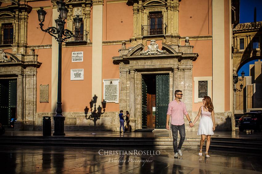 Reportaje Pre Boda en La Albufera de Valencia María y Jose. Plaza de la Virgen Valencia. Christian Roselló Fotógrafo de Bodas en Valencia.