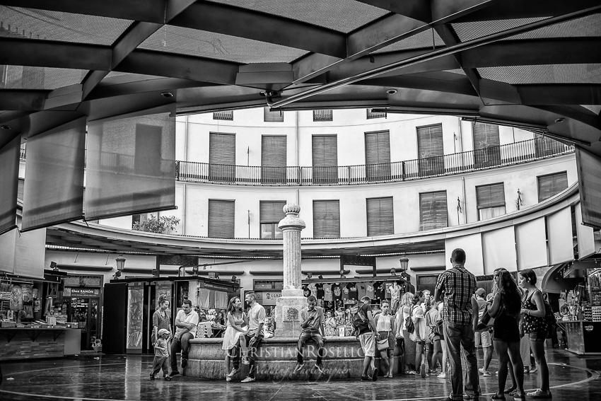 Reportaje Pre Boda en La Albufera de Valencia María y Jose. Plaza Redonda Valencia. Christian Roselló Fotógrafo de Bodas en Valencia.