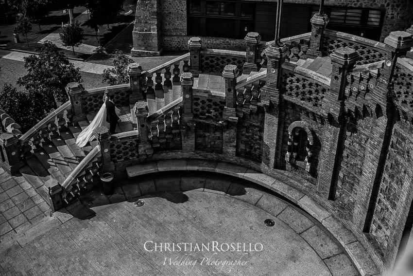 Reportaje Post Boda en Teruel Carla y Toni. Escalinata del Óvalo Teruel. Christian Roselló Fotógrafo de Bodas nacional e internacional con sede en Valencia.