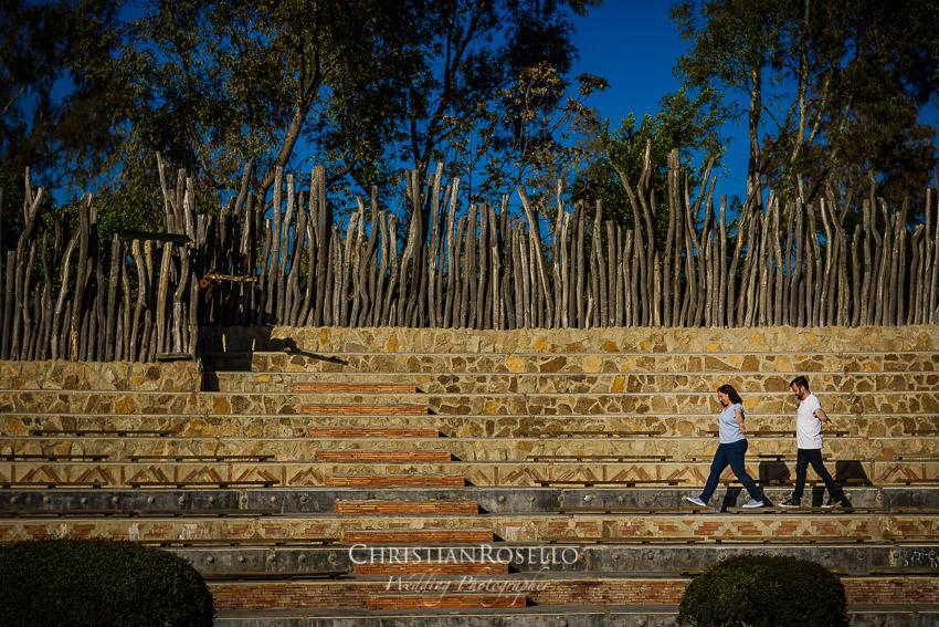 Reportaje Pre Boda en Bioparc Valencia Mª Jose y Toni. Christian Roselló Fotógrafo Internacional de Bodas con sede en Valencia