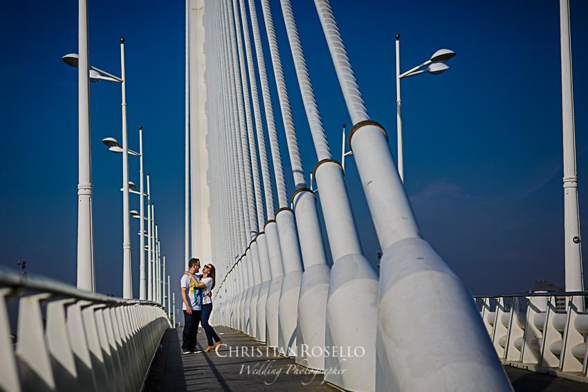 Os presentamos una nueva entrada en el Blog con el reportaje Pre Boda en la Ciutat de les Art Carolina y Javi, un reportaje donde presentamos a esta pareja de enamorados en un entorno donde se mezclan el contraste de la arquitectura de la Ciutat De Les Art y el paisaje natural del Jardín Botánico de Valencia.
