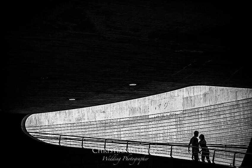 Reportaje Pre Boda en la Ciutat de Les Art Carolina y Javi. Christian Roselló Fotógrafo de Bodas nacional e internacional con sede en Valencia