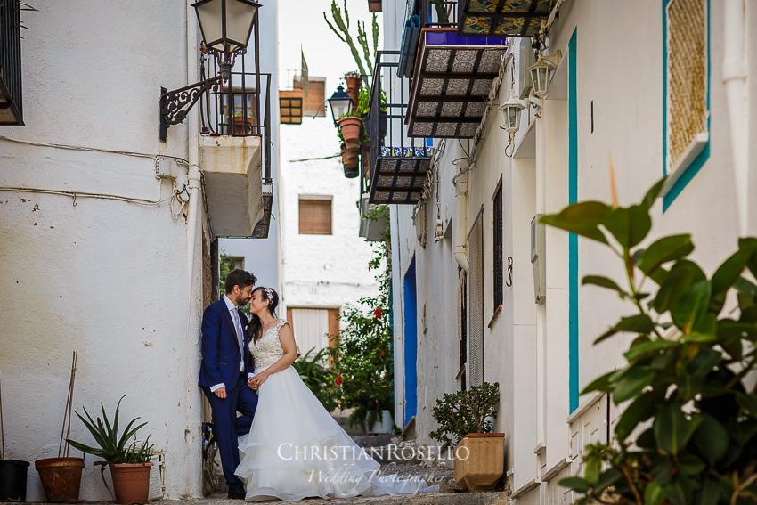 Reportaje Post Boda en Peñíscola Tania y Miguel. Christian Roselló Fotógrafo de Bodas nacional e internacional con sede en Valencia.