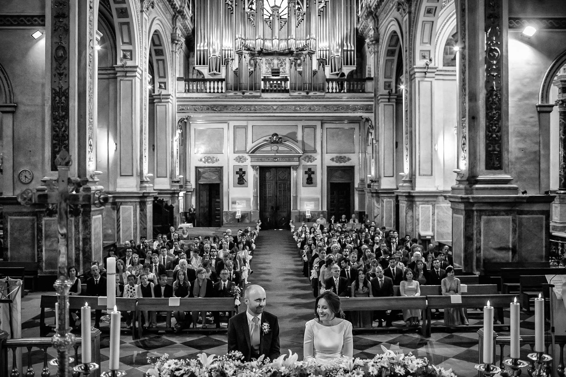 Reportaje Boda en Masía Xamandreu Blanca y Athur. Iglesia del Sagrado Corazón de Jesús de la Compañía. Christian Roselló Fotógrafo de Bodas en Valencia.