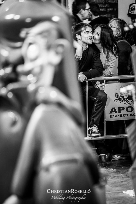 Reportaje Preboda de Carolina y Jose en la Playa de Puçol y Valencia en Falla, Fotografías de Christian Roselló Fotógrafo de Bodas en Valencia y Castellón, Wedding Photographer.