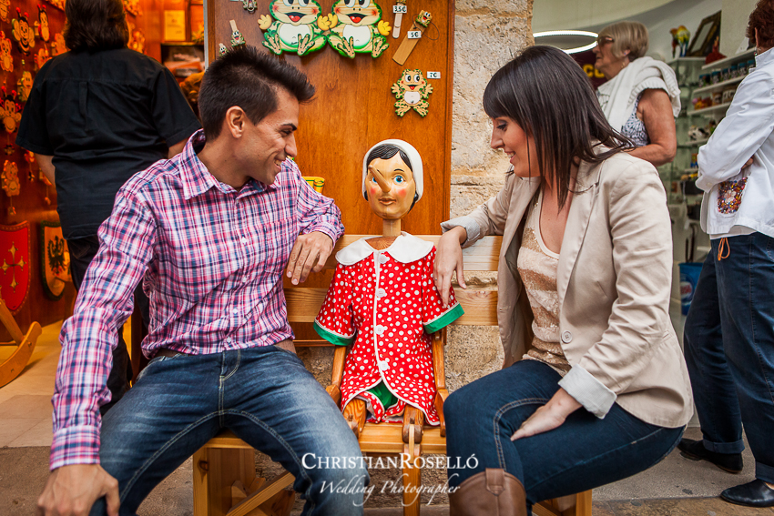 Reportaje preboda en la Plaza de la Reina de Valencia, Patricia y Jose, Christian Roselló, Fotografo de boda en Valencia, Destination Wedding Photographer