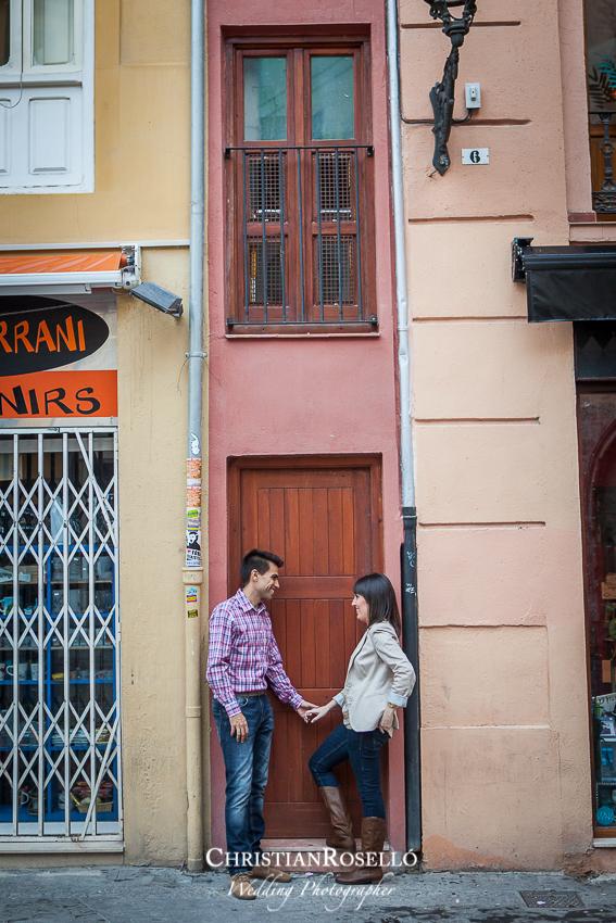 Reportaje preboda en la Plaza Redonda Valencia, Patricia y Jose, Christian Roselló, Fotografo de boda en Valencia, Destination Wedding Photographer