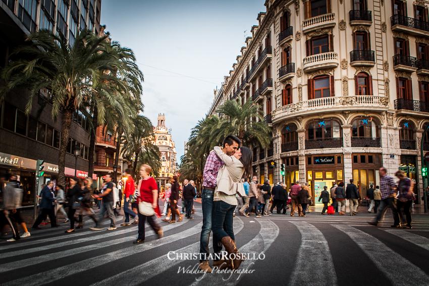 Reportaje preboda Plaza del Ayuntamiento Valencia, Patricia y Jose, Christian Roselló, Fotografo de boda en Valencia, Destination Wedding Photographer